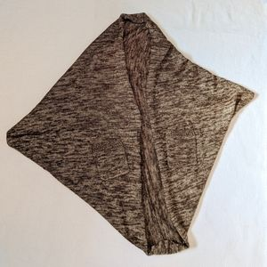 Open shawl with Pockets and button detail